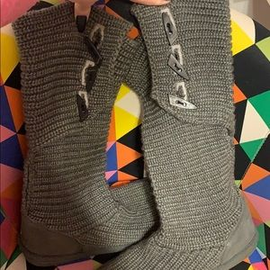 Bearpaw gray boots size 11
